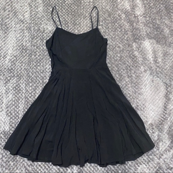Old Navy Dresses & Skirts - Black skater dress with straps size x-small